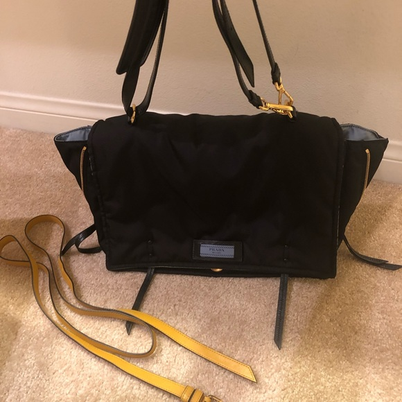 amazing selection best sale on wholesale 100% Authentic Prada Etiquette Bag